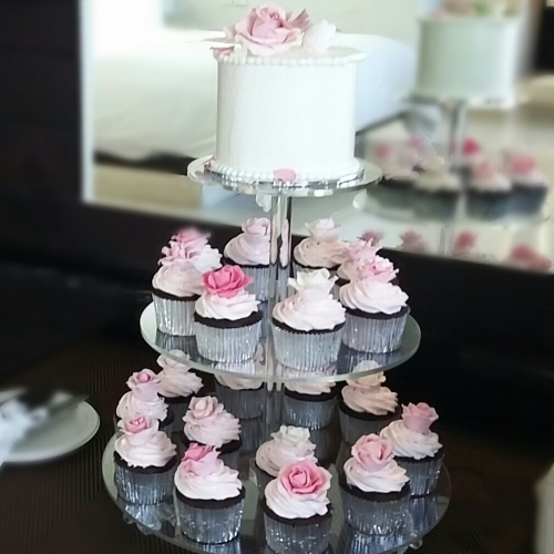 Dessert Table_Cupcakes & Cakes PINK ROSES